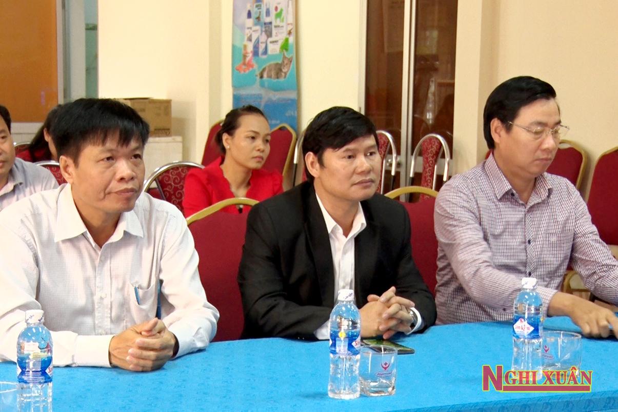 Dự khai mạc có Giám đốc Sở Văn hóa, Thể thao & Du lịch Bùi Xuân Thập, Phó Chủ tịch UBND huyện Nghi Xuân Bùi Việt Hùng.