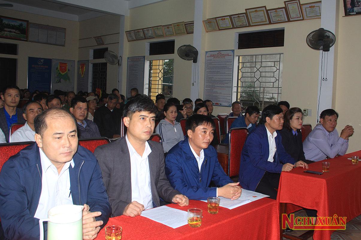 Cùng dự có Phó Chủ tịch UBND huyện Bùi Việt Hùng, Trưởng ban Dân vận Huyện ủy Trần Quỳnh Thao, Phó Chủ tịch HĐND huyện Hoàng Hữu Hiệp cùng các phòng ban.