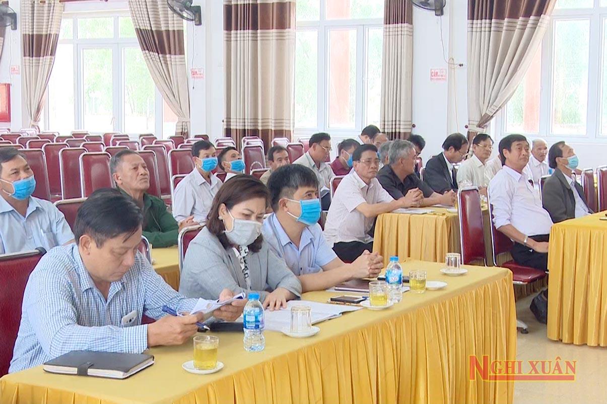 Tham gia có các đồng chí nguyên lãnh đạo huyện các thời kỳ, các sỹ quan cao cấp quân đội nghỉ hưu trên đia bàn.