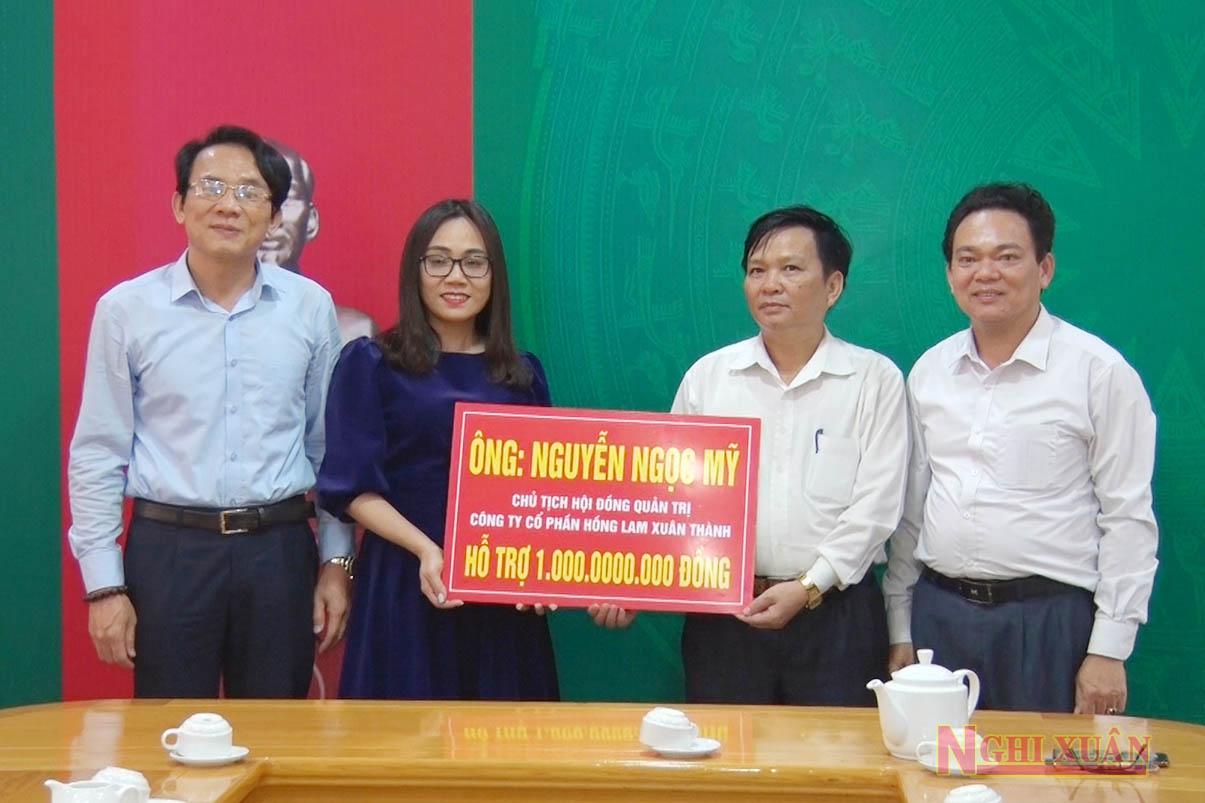 Công ty cổ phần Hồng Lam Xuân Thành và một số doanh nghiệp khác ủng hộ Nghi Xuân 1.250 triệu đồng ngày 23/3/2020