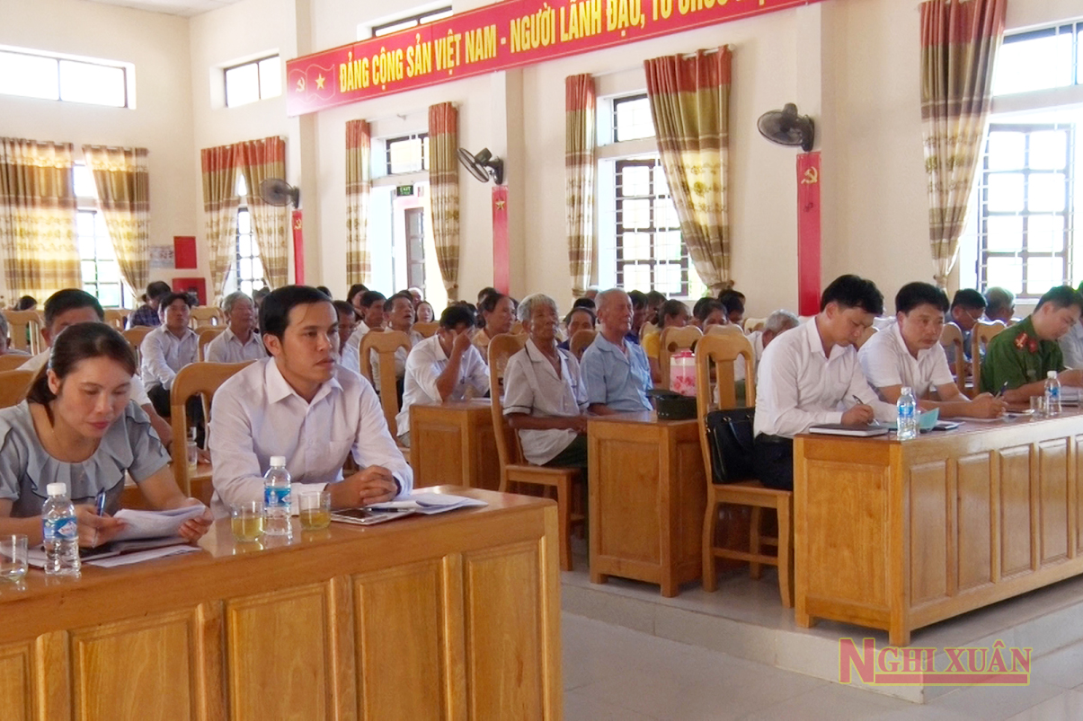 Dự hội nghị có Trưởng ban Tổ chức Huyện ủy Phan Văn Thư, Chủ nhiệm UBKT Huyện ủy Trần Thế Tài.