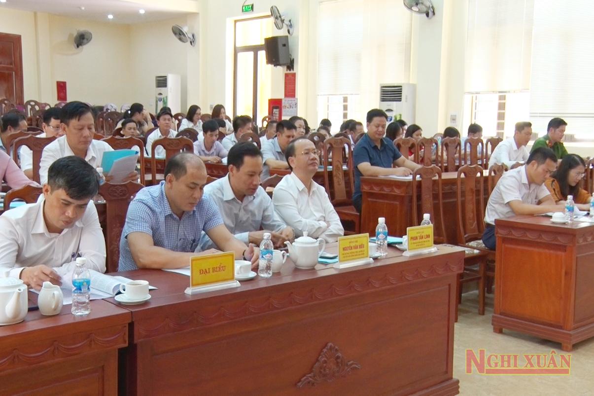 Dự hội nghị có Phó Giám đốc Sở nội vụ Trần Đình Trung, Bí Thư Huyện ủy Phan Tấn Linh, Phó Bí thư Thường trực Huyện ủy Nguyễn Văn Hiếu cùng các Ủy viên BTV Huyện Ủy.
