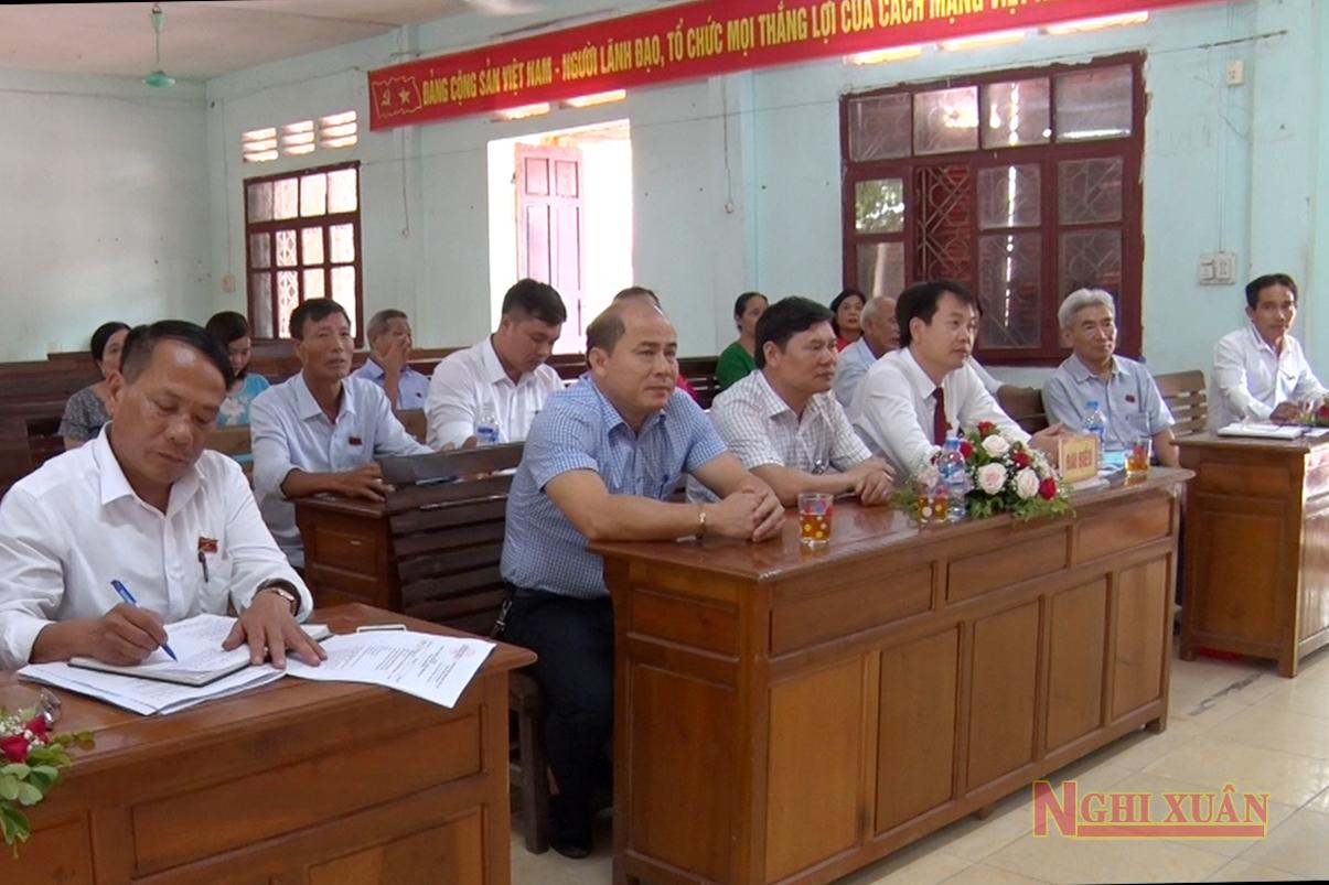 Tham dự kỳ họp thứ 12, Hội đồng nhân dân thị trấn Xuân An khóa XX có Phó Chủ tịch HĐND huyện Hoàng Hữu Hiệp, Phó Chủ tịch UBND huyện Bùi Việt Hùng và các đại biểu HĐND huyện.