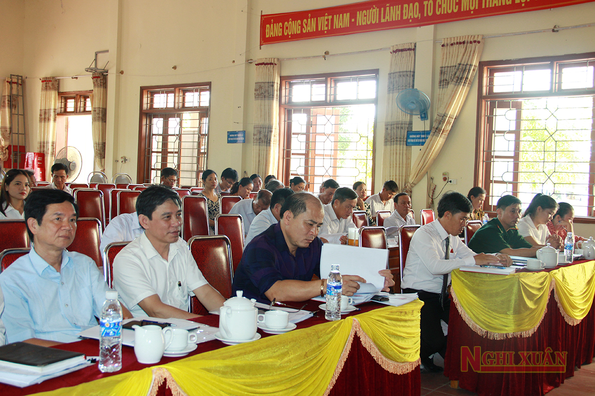 Tham dự kỳ họp thứ 15, HĐND xã Xuân Liên khoá XX có Phó Chủ tịch HĐND huyện Hoàng Hữu Hiệp và các đại biểu HĐND huyện được bầu tại địa phương.
