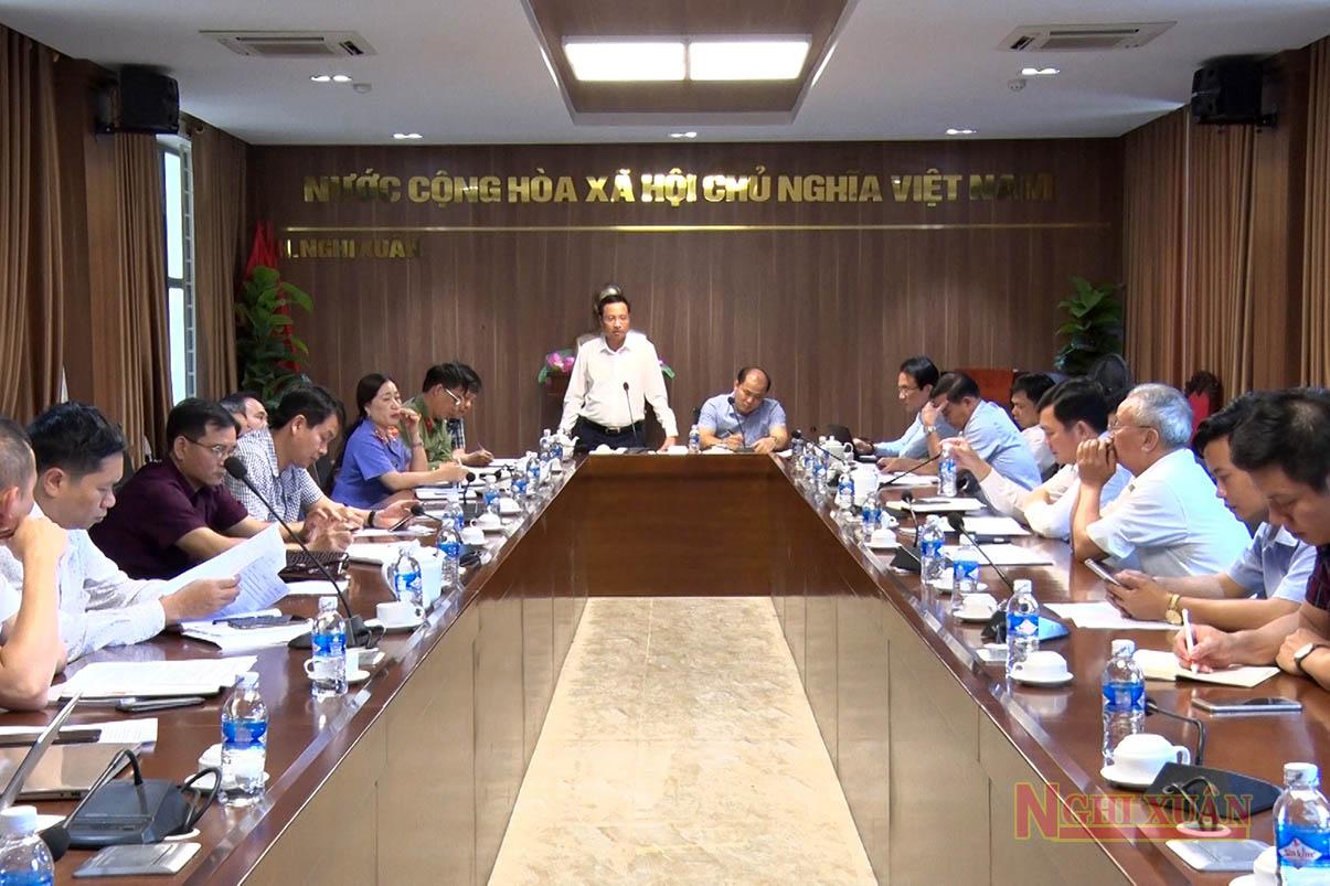 Cùng dự có Chủ tịch UBND huyện Nguyễn Hải Nam và các Ủy viên BTV Huyện ủy.