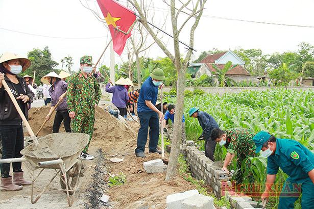 Lực lượng vũ trang Nghi Xuân giúp Xuân Thành xây dựng nông thôn mới kiểu mẫu