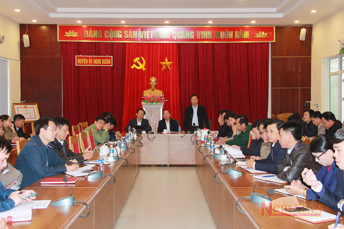 Cùng tham dự có các ủy viên BTV Huyện ủy