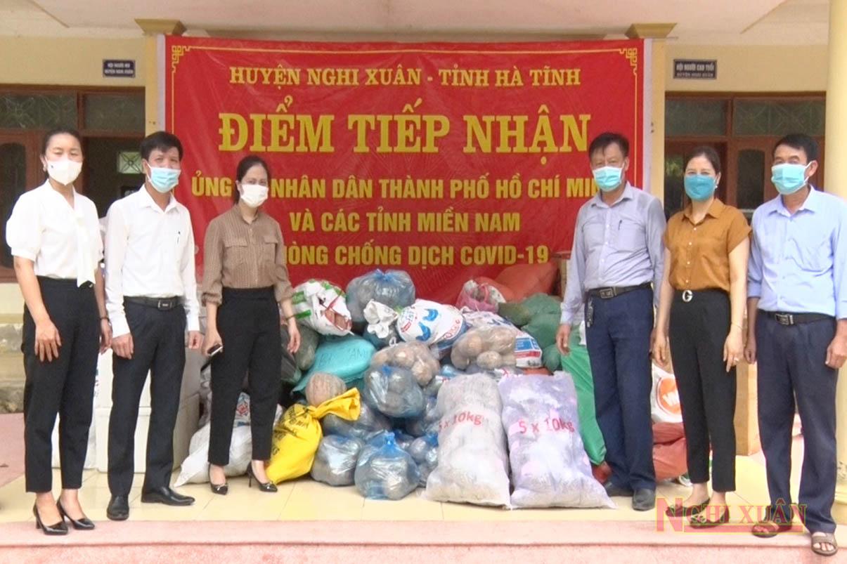 Nghi Xuân tiếp nhận và chuyển gần 57 tấn nhu yếu phẩm hỗ trợ đồng bào miền Nam chống dịch